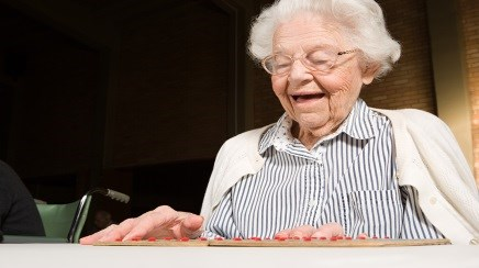 Late-life Volunteering Helps Maintain Cognitive Function