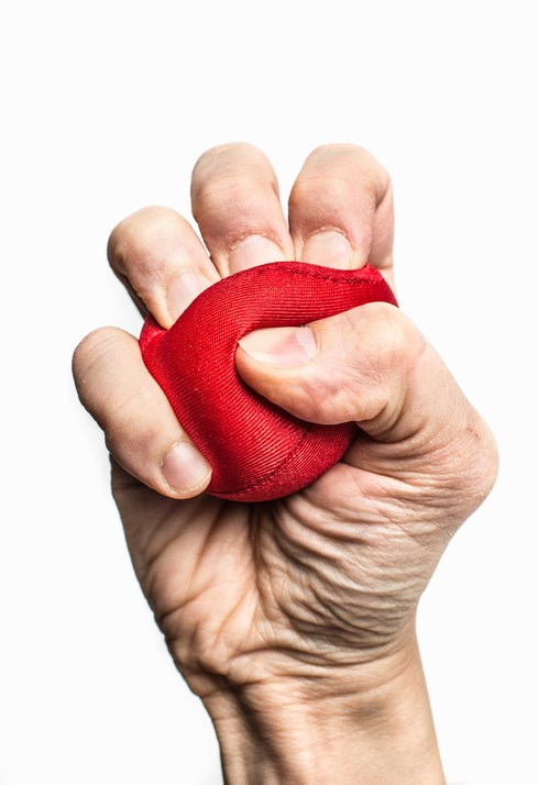 In Multiple Sclerosis, Hand Strength May Indicate Disease Status