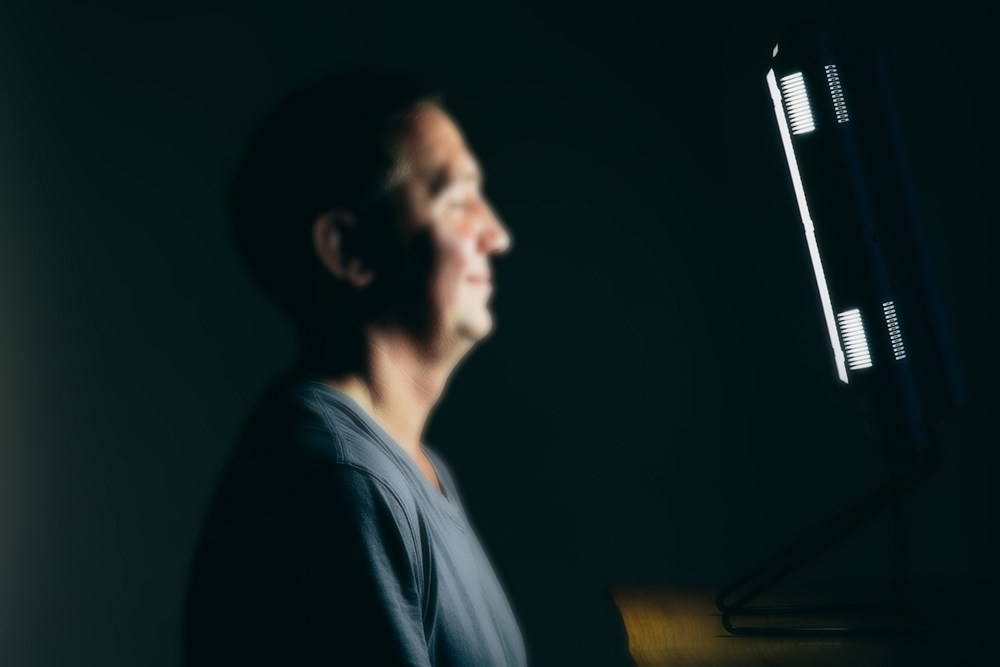 Light Therapy May Improve Depressive Symptoms in Cognitively Impaired Patients
