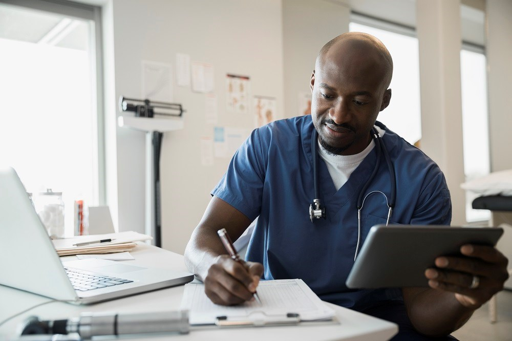 Doctors Spend Nearly 6 Hours on EHR Daily
