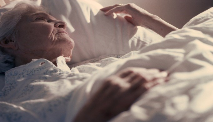 Less Deep Sleep in Elderly Tied to Alzheimer Disease Markers