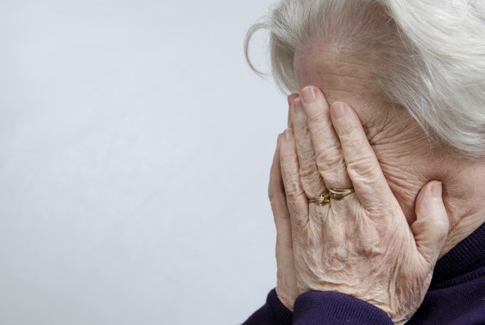 Solanezumab Every 4 Weeks Does Not Significantly Affect Cognitive Decline in Alzheimer Disease