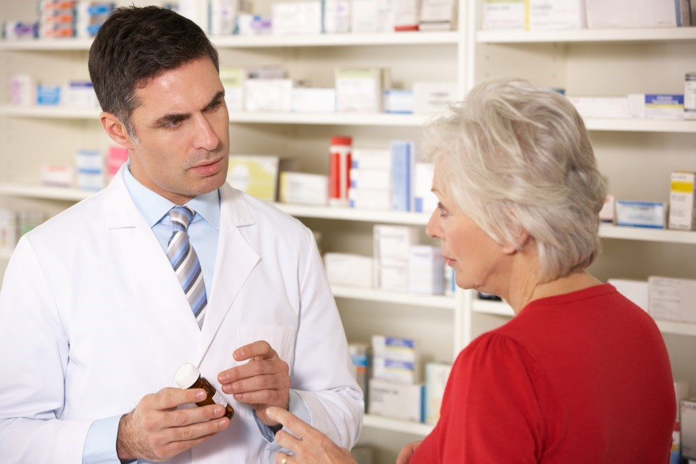 Meeting with a pharmacist may help improve treatment adherence and general disease knowledge.