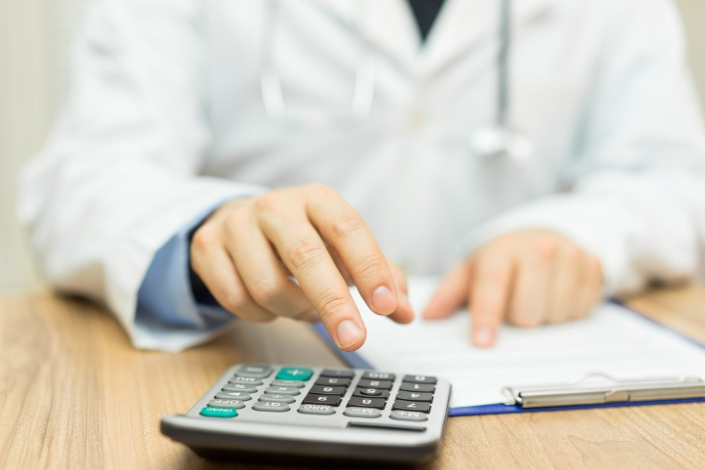 Tips Provided for Budgeting in Medical Residency