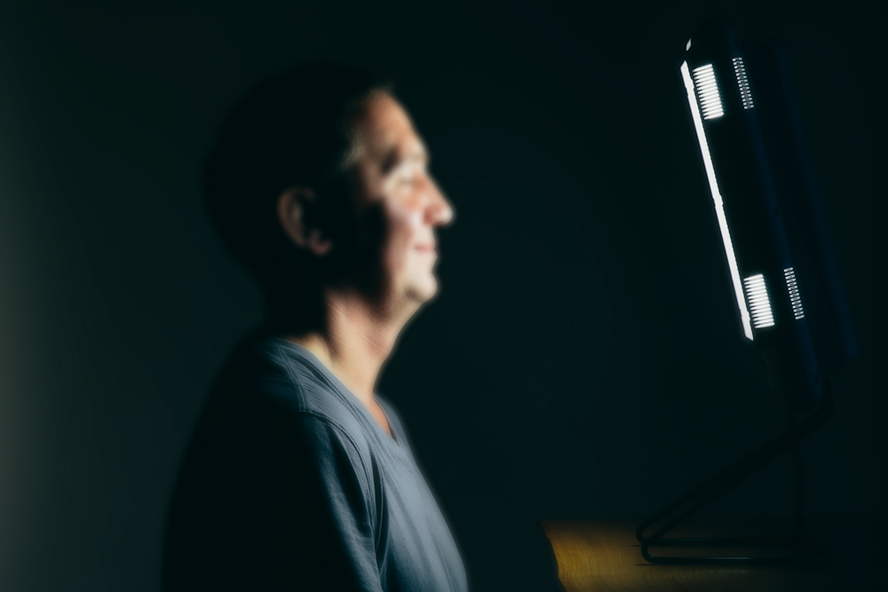 Bipolar Depression Benefits From Midday Bright Light Therapy