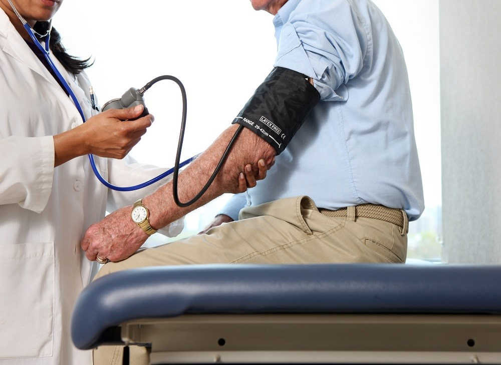 The findings have implications for setting blood pressure targets for elderly individuals.