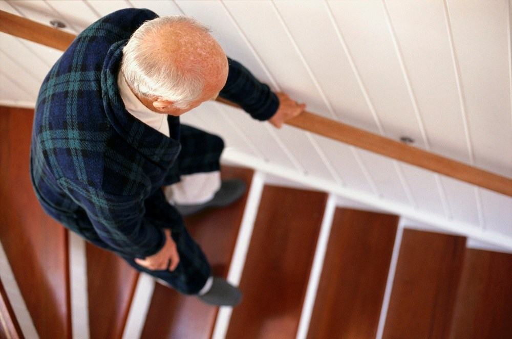 Elderly With Cognitive Impairment More Likely to Experience Falls