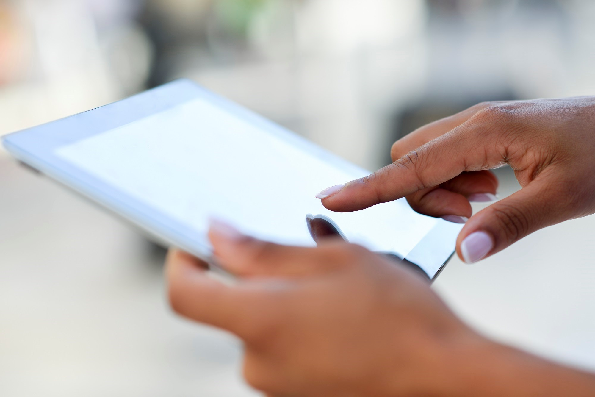 Cognitive impairment in patients with multiple sclerosis was assessed using 3 CANTAB neuropsychological tests on a touchscreen tablet computer.