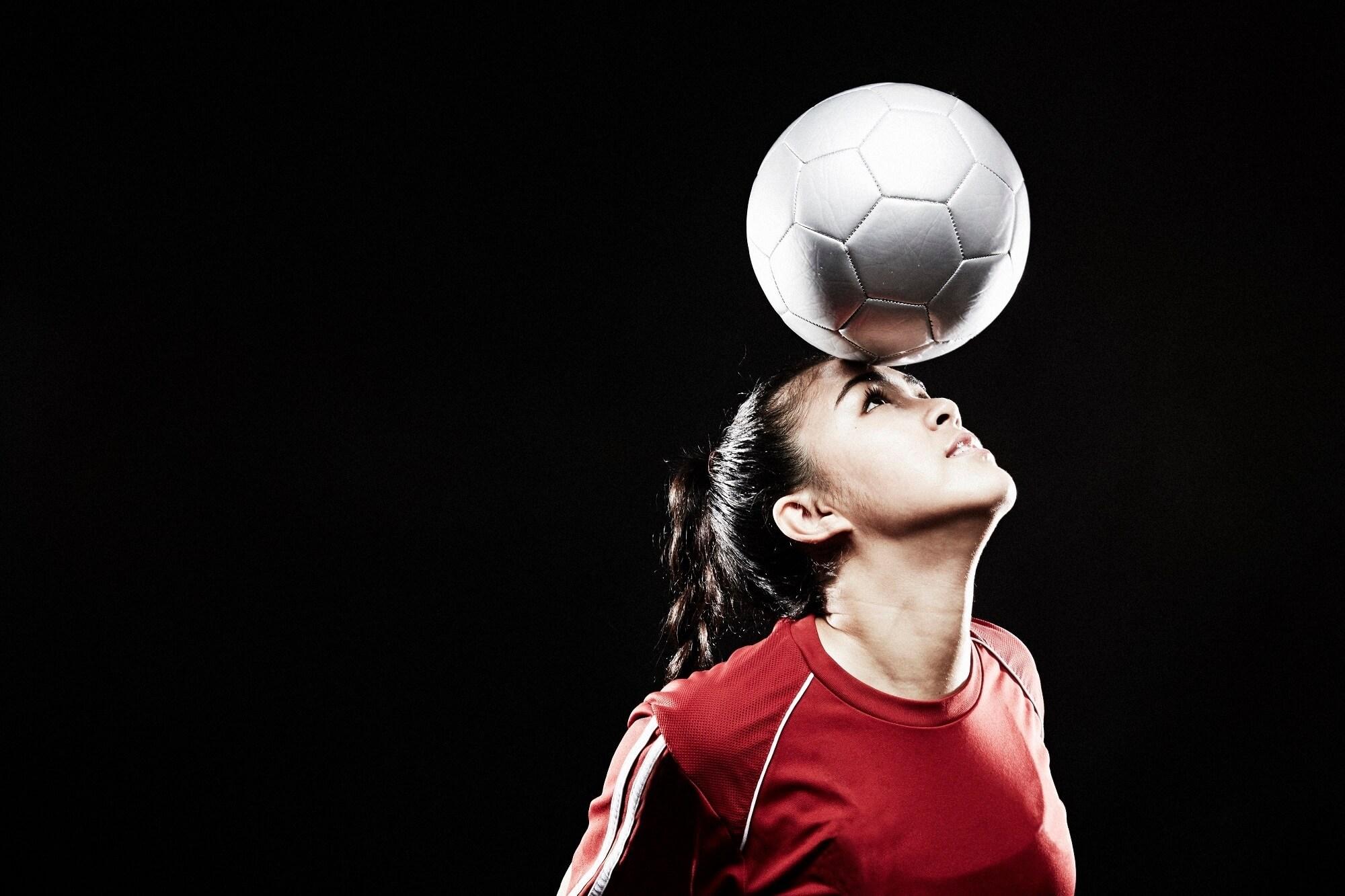 A jugular vein compression collar can prevent white matter alterations associated with head impact exposure among female high school soccer players.