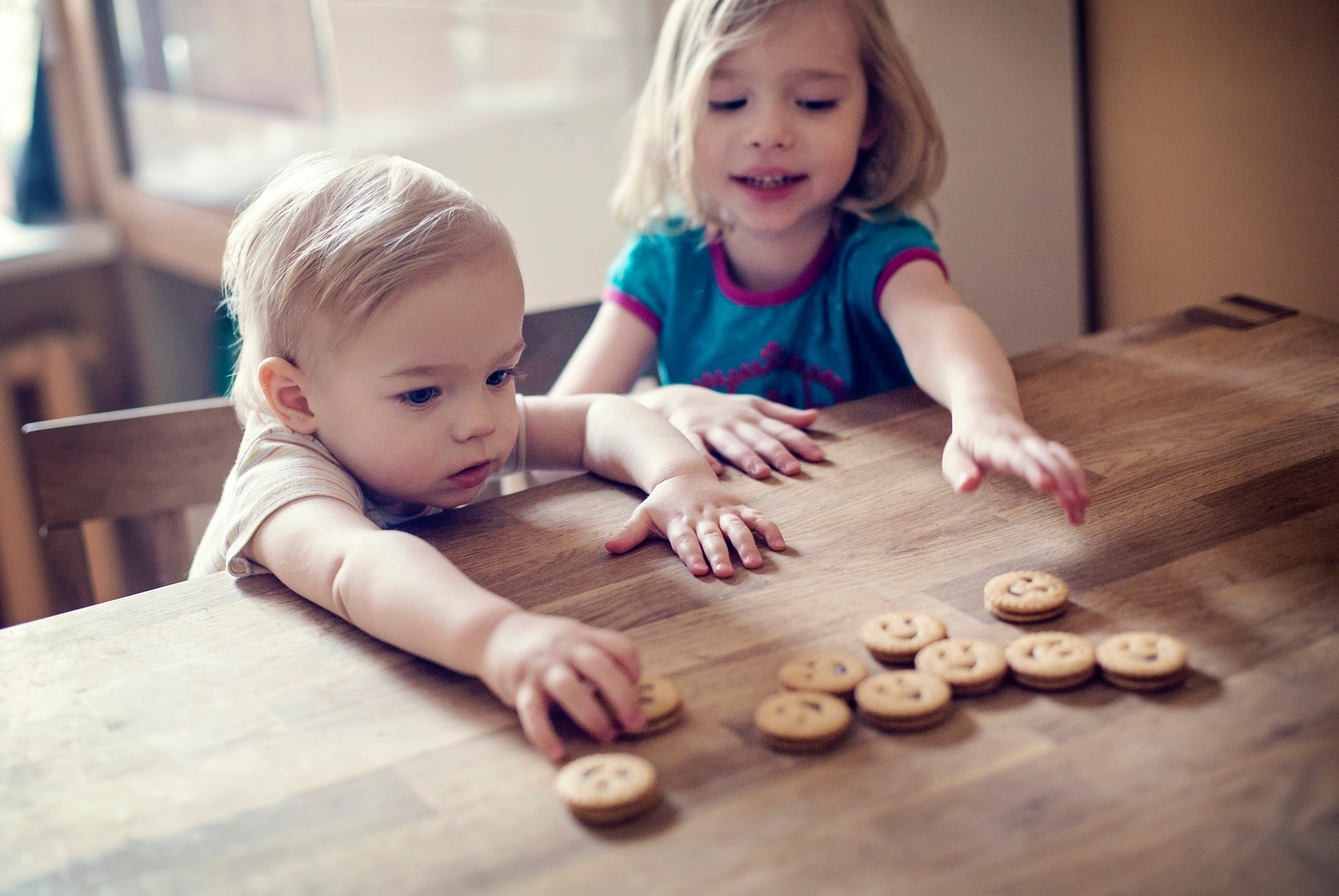 Later-born siblings of children with autism spectrum disorder or attention-deficit/hyperactivity disorder have an elevated risk of being diagnosed with the same or the other disorder.